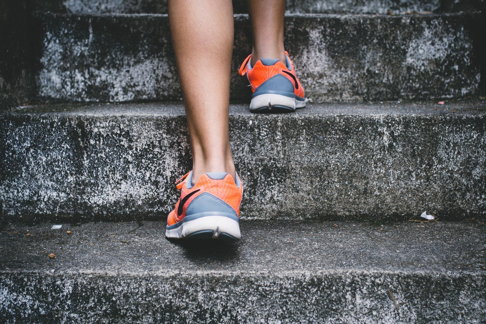 løb og styrke udendørs
